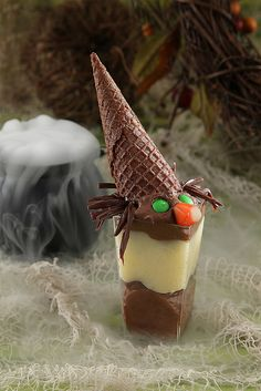 Witch Cups    In a Pipeables dessert cup, layer Chocolate and Vanilla Pipeables Mousse. Top with a mini ice cream cone upside down as a hat, chocolate licorice as hair, green candies for eyes and a candy corn nose.    For a Wicked Witch, add layers of your favorite chocolate liquor. A  delicious treat the adults will crave!