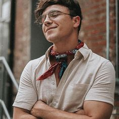 Mens Scarf Fashion, Fashion Menswear, Scarf Outfit Summer, Justin Livingston, Mens Athletic Fashion, Bandana Outfit, Bandana Styles, Stylish Mens Outfits, Mens Clothing Styles