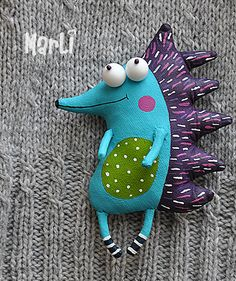 handmade toys cheerful hedgehog can make even the most a gloomy and rainy day brighter Fabric Toys, Felt Fabric, Felt Patterns, Stuffed Toys Patterns, Softies, Handmade Stuffed Animals, Fabric Animals, Sewing Dolls, Soft Sculpture