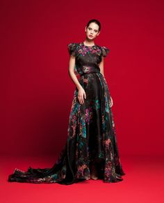 LVS 361 Couture Fashion, Evening Gowns, Bridal Gowns, Beautiful Dresses, Dressing, Formal Dresses, Fashion Designers, Sarees, Inspiration