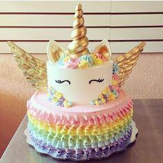 Savory magic cake with roasted peppers and tandoori - Clean Eating Snacks Birthday Cake Girls, Unicorn Birthday Parties, Unicorne Cake, Bolo Minnie, Unicorn Foods, Pecan Cake, Unicorn Cupcakes, Unicorn Cake Topper, Girl Cakes