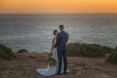 6 destinos para Elopement Wedding fora do Brasil | Aonde Casar Destination Wedding Algarve, Portugal, Destination Wedding, Suit Jacket, Wedding Dresses, Breast, Blog, Navy Blue Suit, Wedding Venues