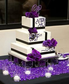 31 Unique and Chic Wedding Cake Designs. To see more: http://www.modwedding.com/2014/10/20/31-unique-chic-wedding-cake-designs/ #wedding #weddings #wedding_cake Featured Wedding Cake: Jen's Cakes
