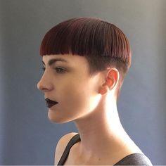 WEBSTA @ boblovers - @irislatour haircut by @hairbrained_official #bobhaircut #undercut #carrè #sidecutstyle #bobhairstyle #rasatura #shorthair #bobhaircuts #sudecuthair #sidecuts #bobhairstyles #rasare #capellicorti #sidecut #corti #tagliare #taglio #sidecute #bob #buzzed #buzz #shorthairdontcare