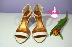 Sandálky v K-stylu - svatební obuv, společenksá obuv, spoločenské topánky, topánky pre družičky, svadobné topánky, svadobná obuv, obuv na mieru, topánky podľa vlastného návrhu, pohodlné svatební boty, svatební lodičky, svatební boty se zdobením,topánky pre nevestu