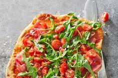 Arugula - pizza with Parma ham - pizza - Salat Taco Pizza Recipes, Ham Recipes, Healthy Recipes, Ham Pizza, Parma Ham, Deep Dish, Arugula, Pesto, Pie