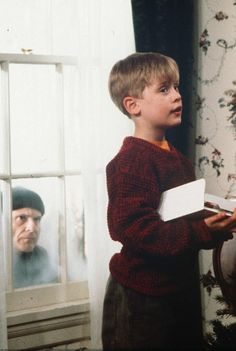 home alone, one of the best Christmas movies :)