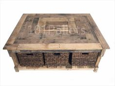 Multipurpose Reclaimed Pallet Coffee Table | Pallet Furniture Plans