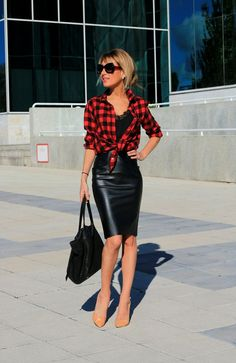 www.streetstylecity.blogspot.com Fashion inspired by the people in the street leather pencil skirt ootd look outfit