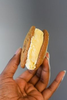When life gives you cookie butter, make cookie butter cookies.then add ice cream. Easy recipe by Dash of Jazz Dessert Dishes, Easy Desserts, Delicious Desserts, Dessert Recipes, Yummy Food, Drink Recipes, Brown Sugar Cookie Recipe, Butter Cookies Recipe, Cookie Butter