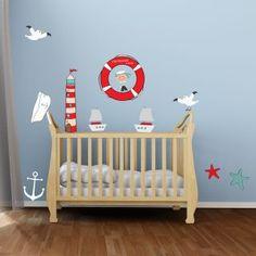 Décoration thème marine chambre enfant : phare, petit mousse, étoiles des mers