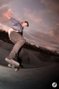 Diogo Osorio Master - Skatepark Quiksilver Ericeira Skate Park, Raincoat, Fashion, Moda, Fashion Styles, Rain Jacket, Fashion Illustrations