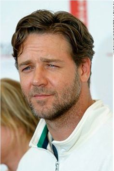 thanks maria!!!!!!!.....Russell Crowe. For you Anne!!!!!!
