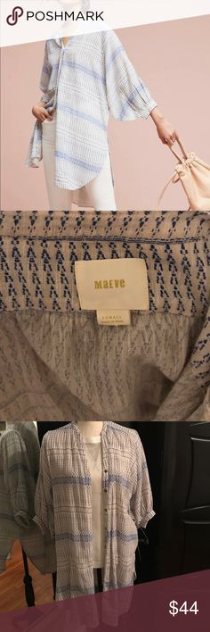 Anthropologie Yarn Dyed Tunic Purchased this summer and in excellent condition. Blue and white yarn dyed Tunic by Maeve from Anthropologie. So fun to wear! Perfect with skinny jeans or leggings. Comes from a smoke free home. Anthropologie Tops Tunics