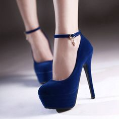 Se o seu pé é 24,5-25 cm, US8.5 está correto. Se os seus pés são um pouco grande, por favor, ...