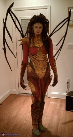 Kerrigan, Queen of Blades... epic costume