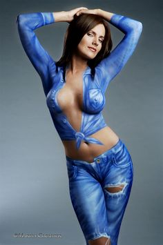 Body Painting Show | Hot babes in body paint - Yellow Bullet Forums