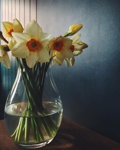 Spring daffodils on my kitchen table with farrow and ball Hague blue paint Hague Blue, Dark Interiors, Daffodils, Glass Vase, Living Room, Yellow, Kitchen, Table, Painting