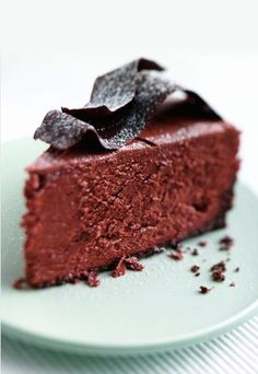 No bake fudge cake.similar to a flourless chocolate cake Choco Chocolate, Chocolate Fondant, Chocolate Desserts, Flourless Chocolate, Chocolate Cheesecake, Cocoa Recipes, Sweet Recipes, Baking Recipes, No Bake Fudge