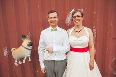 ) - Rockabilly wedding LOVE the doggie balloon :-) Homemade Posters, Rockabilly Wedding Dresses, Church Music, My Kind Of Love, Psychobilly, Dream Wedding, Wedding Stuff, First Dance, Wedding Cake Toppers