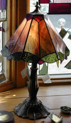 Resultado de imagen para stained glass lamps