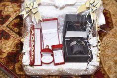 חינה בעולם אירועים באורכדיה ירושלים Henna, Container, Gift Wrapping, Gifts, Food, Paper Wrapping, Meal, Wrapping Gifts, Eten