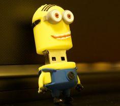 USB 16GB MINIONS XHR-42