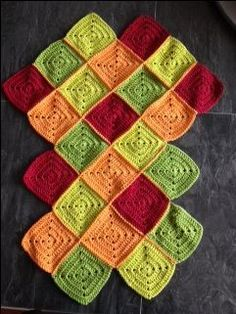 Discover thousands of images about square bag - jellina-creations Crochet Market Bag, Crochet Tote, Crochet Handbags, Crochet Purses, Crochet Crafts, Crochet Stitches, Crochet Patterns, Crochet Fish, Crochet Baby