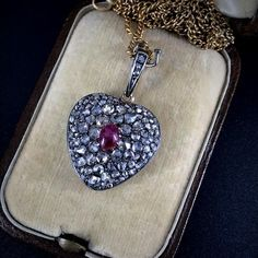 Antique Russian Ruby and Diamonds GOLD Heart Locket Pendant, 19 century. This is a superb HEART Pendant - gorgeous worn, finely made, always the favorite shape for a Locket. Vintage Jewelry, Heart Locket, Pendant Necklace, Russia, Diamonds, Handmade, Jewellery, Antique, Ebay