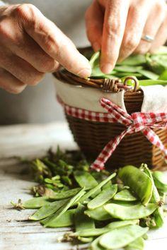 peeling peas | London Fridge