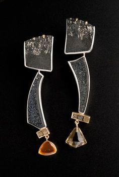 Barbara Christie - Stunning constructed earrings.     Source: http://www.artinaction.org.uk/artist-99/Barbara-Christie    20121231 16:12