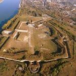 Monostori Erőd Hadtörténelmi Látogatóközpont  A történelem megannyi titkot rejt, amely mind megelevenedik a falakban. Túraútvonalak, kirándulás ötletek Magyarországon  #túrázás #Magyarország #természet #kirándulás
