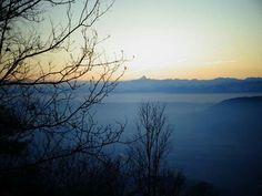 Tramonto invernale....il Monviso all'orizzonte.