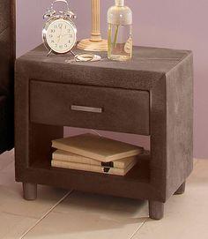 Farbe Griffe: chromfarben gebürstet, Farbe Füße: naturfarben,  Details:  1 Schubkasten, Schubkasteninnenmaße (B/T/H): ca. 35,5/32,5/9 cm, 1 Fach, Fachinnenmaße (B/T/H): ca. 39/40/14 cm, Metallgriffe, Mikrofaserbezug im Vintage-Look (100% Polyacryl, braun),  Maße:  (B/T/H): ca. 50,5/40/43 cm, Alles ca.-Maße,  Informationen zu Lieferumfang und Montage:  Mit Aufbauanleitung,  Material:  Griffe au...