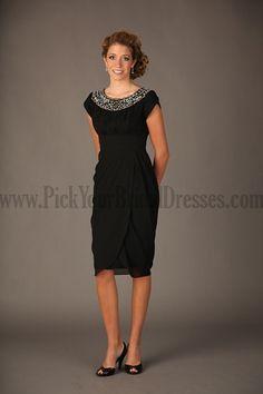 Affordable Dresses For Mother Of The Bride Knee Length Column Sheath Champagne Orange Split Front Beading Short Sleeve For Cheap Wedding Party Dresses