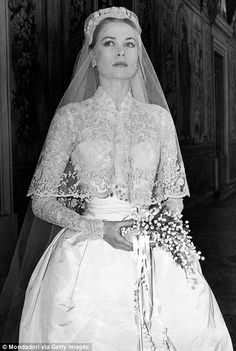 Pictures of Grace Kelly's wedding show why event is still the world's most glamorous | Daily Mail Online