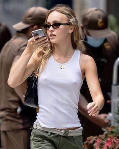 Lily Rose Depp Style, Lily Rose Melody Depp, Lily Depp, Models Off Duty, Facon, Mode Inspiration, Girl Crushes, Cool Girl, Celebrity Style