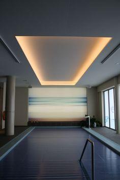 spanplafond mona visa - Seniorplaza Willebroek - indirecte verlichting lichtlijn http://www.monavisa.be/Gallery/Seniorplaza/images/IMG_7463.JPG