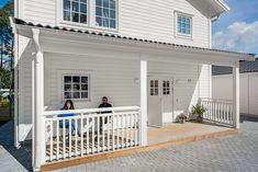 Porche, New England, Ontario, Sweet Home, Garage Doors, New Homes, Deck, House Design, Garden