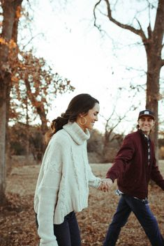 Anniversary Couple AK & New Anniversary Couple AK Cosy Cabin Anniversary Shoot // Lauren Rader Fotog Camping Photography, Funny Photography, Couple Photography Poses, Creative Photography, Wedding Photography, Elegant Engagement Photos, Funny Engagement Photos, Engagement Photo Outfits, Couple Photoshoot Poses
