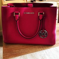 2016 Fashion #Michael #Kors #Bags Only $14.99 For This Site, I Believe You Will Love Michael Kors Outlet, Time To Shop For Gifts, MK Handbags Is Always The Best Choice, Get The Style You Love From Here.