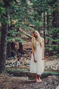 Soft natural photoshoot. Natural Posing. Utah Senior photography. Pretty Senior photos. Pretty white dress. Crown braid. Stephanie Sunderland Photography.