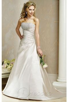 Fashionable Light Gold A-line Strapless Corset Closure Floor-length Wedding Dress Sweep Train 00284