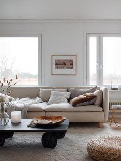 fabulous modern scandinavian living room decor ideas 30 ~ my. Söderhamn Sofa, Ikea Sofa, Ikea Sectional, Ikea Living Room, Boho Living Room, Natural Furniture, Furniture Legs, Rustic Furniture, Furniture Dolly
