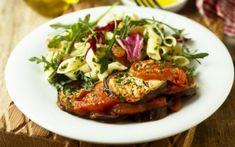 Μακαρονοσαλάτα με ψητά λαχανικά Bruschetta, Salmon Burgers, Chicken, Meat, Ethnic Recipes, Food, Salmon Patties, Essen, Yemek