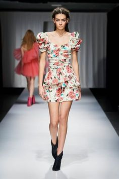 ANIYE BY Spring Summer 2021 Milan - NOWFASHION Live Fashion, Fashion Week, Runway Fashion, Fashion Show, Fashion Trends, Louis Vuitton, Peplum Dress, Fashion Photography, Women Wear