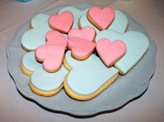 Cookies muy románticas en tonos rosa y celeste para celebrar una boda civil! <3
