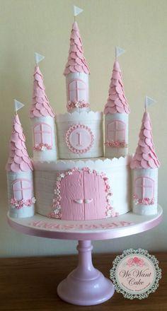 Fairy Castle Cake, Castle Birthday Cakes, Birthday Cake Girls, Castle Cakes, Fondant Cakes, Cupcake Cakes, Cupcakes, Princess Birthday Party Decorations, Princess Party