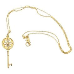 Pre-owned Tiffany & Co. 18K Yellow Gold Diamond Small Daisy Key... ($1,320) ❤ liked on Polyvore featuring jewelry, necklaces, daisy necklace, diamond necklace, 18 karat gold necklace, diamond necklace pendant and diamond pendant