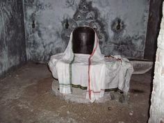Thiruvathigai is one of the eight temples in Tamilnadu where the lord Shiva is seen in his fierce form as the destroyer of evil. The list of these eight temple towns are:   1) Thiruvathigai 2) Thirukadavayur 3) Parasalur 4) Kurrukai 5) Valuvur 6) Virkudi 7) Kandiyur 8) Thirukovilur
